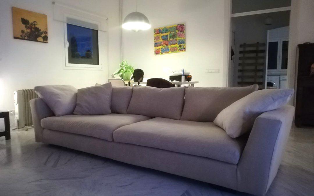 Sofà gran de client retapissat