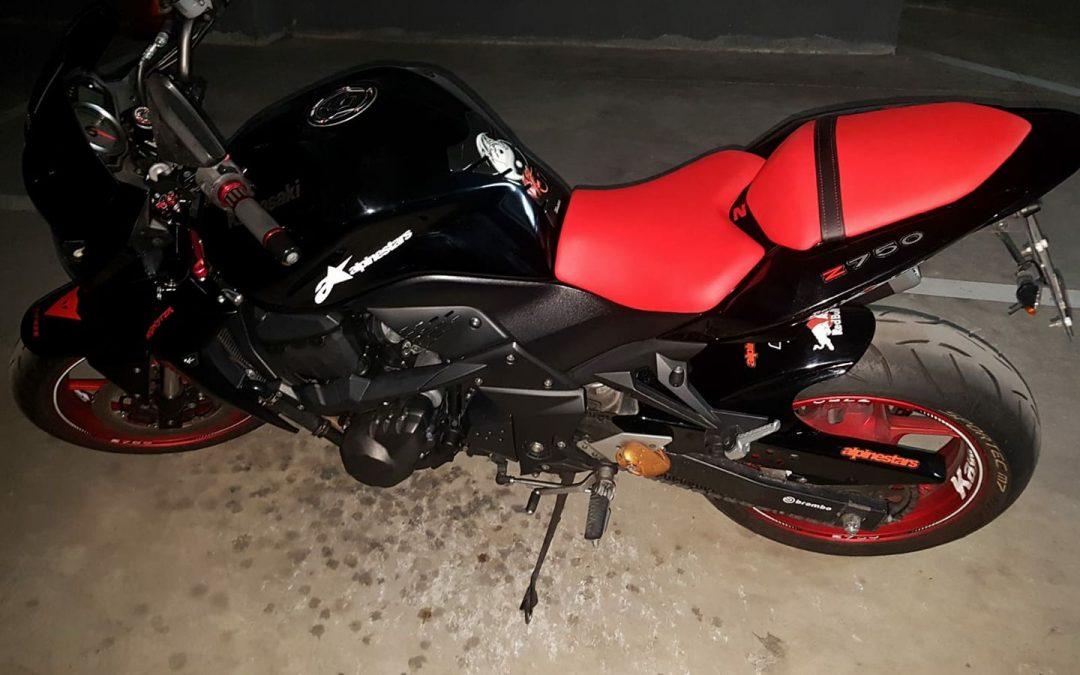Asientos de moto kawasaki retapizados