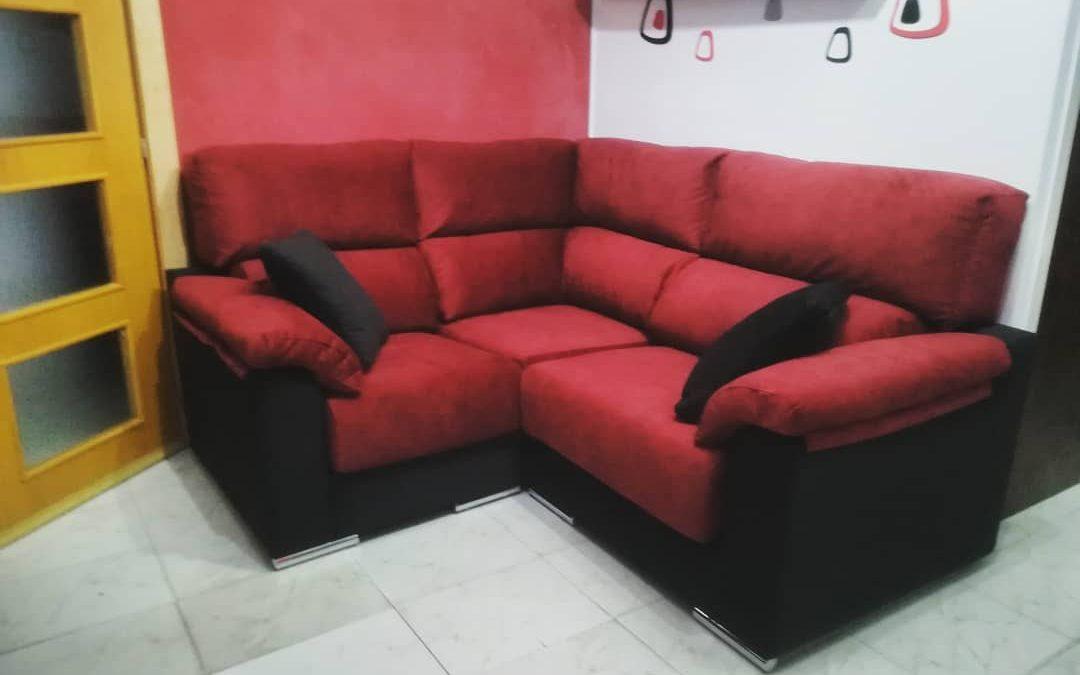 Sofá rinconera a medida rojo y negro