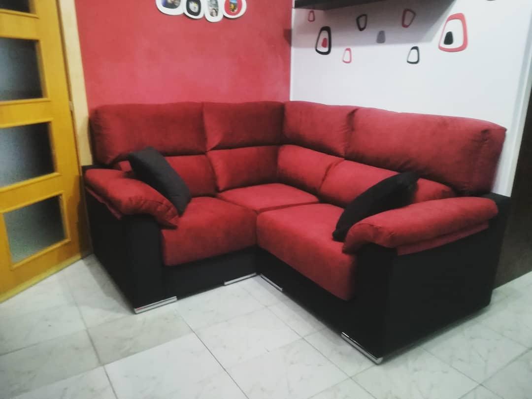 sofa medida rinconero negro y rojo